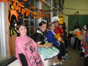 2009_lycs_halloween_party (2)